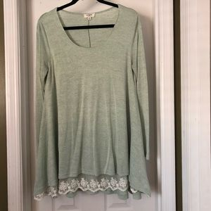 Umgee Swing Tunic with lace front hem